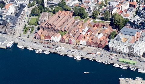 Flertall av politikerne i bystyret er positive til å gjøre Bryggen bilfri i en periode.