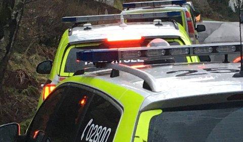 Politiet hadde flere patruljer på stedet mandag ettermiddag.