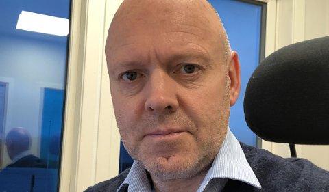 KORONA: No ventar kommunedirektør Anders Skipenes på dei siste prøvesvara. – Dersom vi ikkje får nokon nye positive testar bekrefta i løpet av det neste døgnet, reknar vi smitteutbrotet for avslutta, seier han.