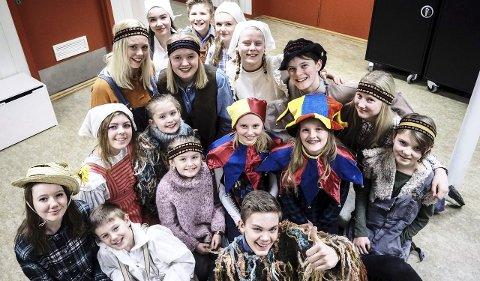 De som er inne: Brottungæne skal spille det første stykket fra 2007 igjen. Kristoffer Nicolaisen (foran med tommel opp) var med i 2007foto: john johansen.