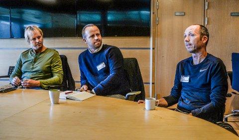 ALS-syke Geir R. Engens bror Lars, til venstre, svarer Bjørn Dalen i dette leserinnlegget. Broren Stian i midten og Geir til høyre.