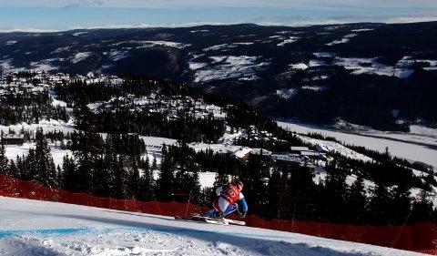 Lillehammer søker om å få arrangere alpin-VM i 2025. Formannskapet i kommunen vedtok tirsdag å bidra med 350.000 kroner til søknaden.
