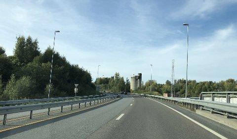 LASERMÅLT: En kvinne fra Gjøvik-området ble målt til 153 kilometer i timen i 80-sonen sørover fra Gjøvik på riksveg 4 i sommer og har fått sin dom. Flere ble tatt i samme kontroll.