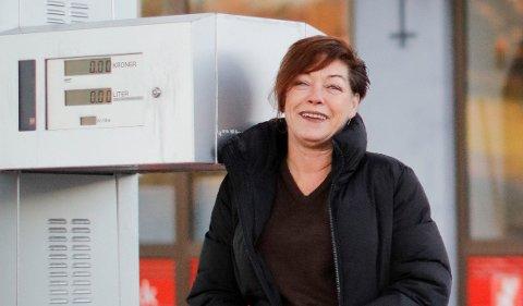 FØLES RIKTIG: Marianne Hovland tok beslutningen om å selge bensinstasjonen for en stund siden. - Dette har vært en lang prosess, men nå er tiden inne for å komme seg videre og drive med noe annet, sier hun.