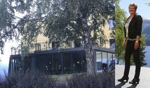 Fornøyd: – Vi merker at gjestene trives godt, og setter pris på fargespillet i restauranten, sier hotellsjef Camilla Reide Rise. Foto: Ernst Olsen / Innfelt foto: Eivind Dahle Sjåstad