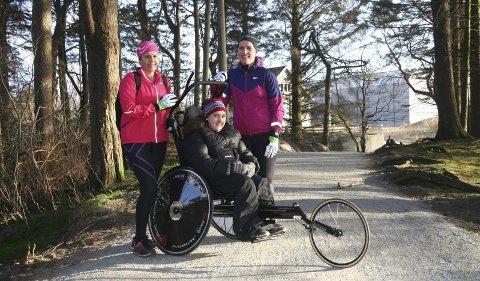 Ut på tur: Team Tvilling på sin ukentlige treningstur i Haugesund. F.v.: Anne Nagell Skogland, Ingelin Paulsen og Tone Sletten.