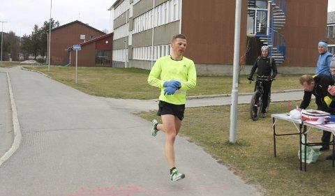 NY BESTENOTERING: Langrennsløper Daniel Strand viser at formen er god også på løpsfronten. Han vant «Altakarusellen» på mandag.Foto: Rolf Rantala