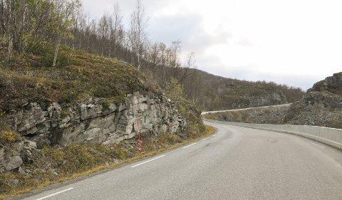 KLØFTA TRENGER ET LØFT: Riksvei 93 mellom Alta og Kautokeino trenger en oppgradering. Formannskapet i Alta forventer at Kløfta-prosjektet kommer inn i NTP for 2018–29.. Foto: Oddgeir Isaksen