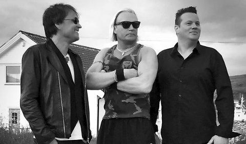 STORTRIVES I HAMMERFEST: Three man electric jam fra Alta lover partylåter og allsang på Kaikanten i helgen.