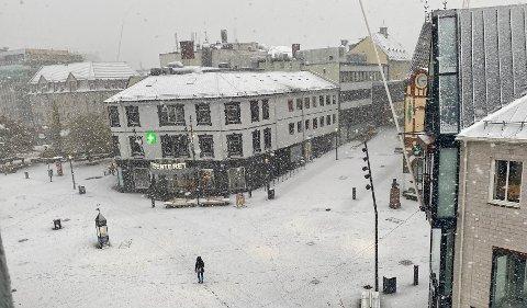 VINTER: Mandag preges Harstad av snøbyger og temperatur ned mot null.