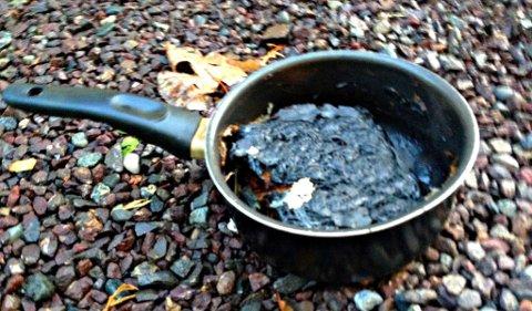 TØRRKOKT: – Du bør i aldri legge deg litt nedpå i påvente av at maten skal bli klar, minner Vestfold Interkommunale Brannvesen om.