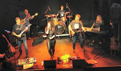 LOKALT BAND: Stereotrain med Ranveig Aasland i front skal holde konserter i både Kongsberg og Veggli.