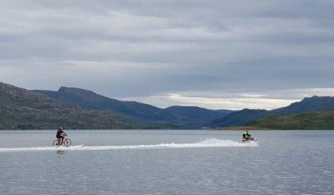 Freddy Amundsen suste over fjorden på en sykkel i 60 km/t under Arctic Race of Norway i fjor sommer.