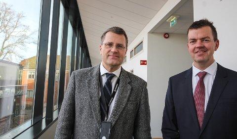STOR SAK: Økokrim stilte med statstadvokat Henrik Holm (t.v.) og etterforsker Bjørn Sverre Grenager i Moss tingrett. De har jobbet med saken i lang tid.