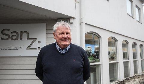 TILBAKE: Asbjørn Sørensen Borg er tilbake i de tidligere loklane til Møbelgalleriet i Kongens gate. Denne gangen med Sanz - en butikk for kjøp, salg og utstillinger av tidstypiske møbler.