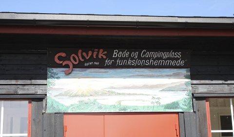 SNART 50 år gammelt: Solvik camping ligger ytterst på Malmøya, og  er et like populært sted for medlemmer og andre gjester nå som da det ble åpnet i 1968. Foto: Aina Moberg