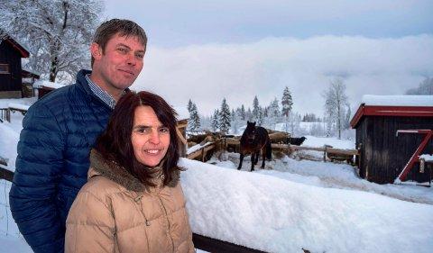 - Skole og barnehage i nærheten var avgjørende for at vi valgte å bosette oss med tre barn på Vestsida i 2013, sier Marit Noraker og Per Marius Pettersen.