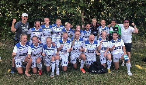 FK Gjøvik-Lyns J15-lag hadde all grunn til å juble etter seieren over Træff i semifinalen i Dana Cup fredag.