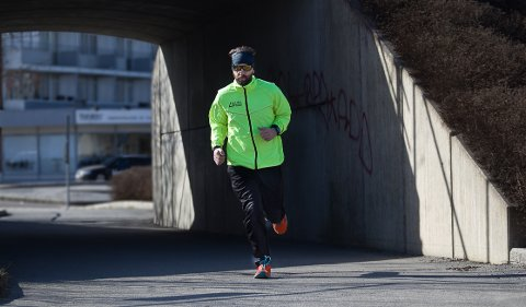 Jan Billy Aas løp fire løp i helgen. - Jeg merker det litt i akillesen dagen derpå, innrømmer løperen.