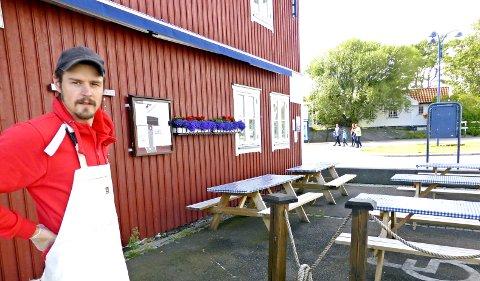 Hvasser Reke og Fisk har tidligere holdt butikken stengt om vinteren, men nå kan du få kjøpt fersk sjømat på Tønsberg torv hele året.