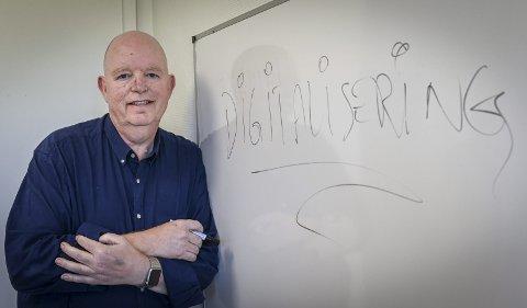 Digitalisering: Torger Lofthus jobber med digitalisering. Han frykter den kan felle mange bedrifter i et det han kaller et oljemett Norge der ingenting haster. Foto: Øyvind Bratt