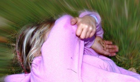 Mishandling: En mann er dømt til åtte måneders betinget fengsel for mishandling av sine to barn.