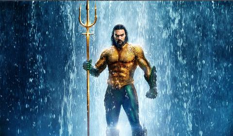 AQUAMAN: Historien om Arthur Curry som er halvt menneske og halv havmann er fortsatt på 1. plass i USA, og filmen passerer snart 1 milliard dollar i innspilte kinoinntekter på verdensbasis siden premieren 14. desember.