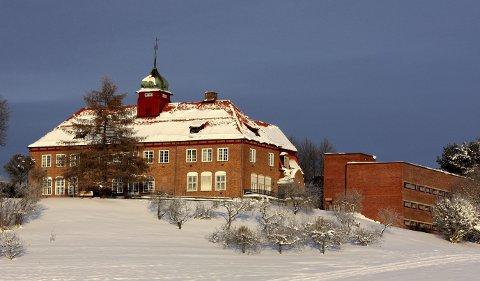 Landbruksskole: Hvam videregående skole ble startet som Akershus fylkes landbruksskole for 107 år siden. FOTO: Per Stokkebryn