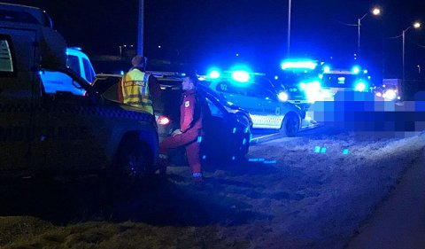 OMKOM: Én person er bekreftet omkommet og to personer er å anse som kritisk skadd etter en frontkollisjon torsdag kveld i Leirsund.