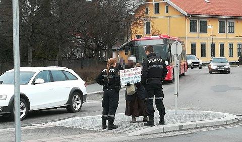 BORTVIST: Etter en samtale med politet, fikk kvinnen beskjed om å holde seg unna byen fram til onsdag morgen.