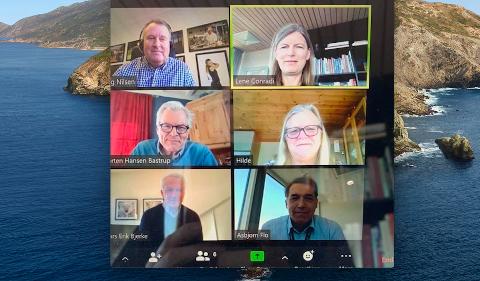 PÅ VIDEO: Hjemmekontor fordrer nye løsninger for gjennomføring av møter. Her er næringsforeningen i møte med kommuneledelsen via videokonferanse.