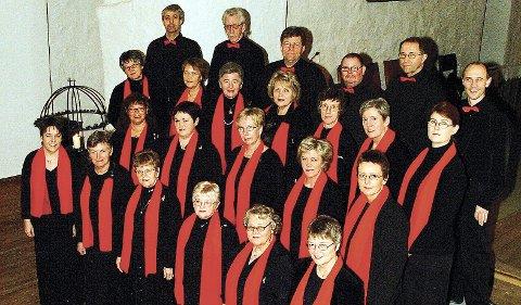 Håper mange kommer: Vakre juletoner kan man få med seg i Sande kirke.