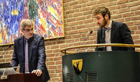 Kommunestyret. Ordfører Bjørn Ole Gleditsch (H) og Sondre Johan Wikran Larsen (Rødt).