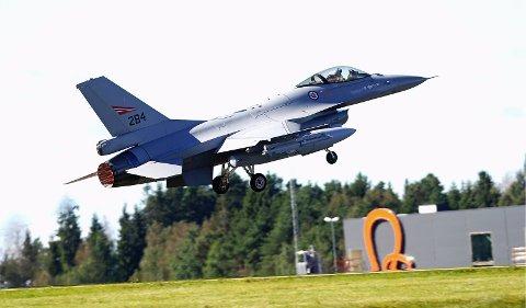 Jagerfly: USA skal lage en installasjon for å kunne reagere hurtig med Nato-jagerfly på Rygge. Foreløpig har amerikanerne bevilget rundt 90 millioner kroner til prosjektet. Foto: Patrik Eian Fjeldstad