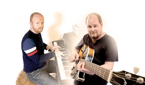 GIR UT MUSIKK: Ivar Christian Johansen (Ravi) og Jørn Åleskjær.