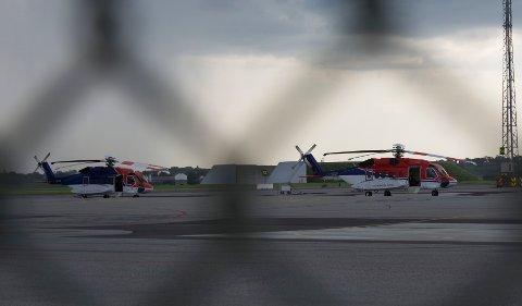 Selv om inn- og utlandstrafikken så en svak nedgang i juni, har offshoretrafikken fått et kraftig løft sammenlignet med fjoråret. Helikoptrene på bildet er av typen Sikorsky S-92. (arkivfoto).