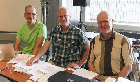 INSTRUKTØRER: Vegard Austli Kjøsnes, Tore Reppe og Sigmund Groven er blant instruktørene på munnspillseminaret på Brattrein den kommende helgen.