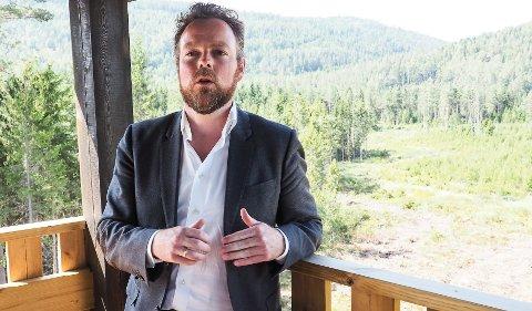 IKKE REGJERINGSSAK: Om det blir avfallsdeponi i Brevik eller ikke, er foreløpig ikke tatt opp i regjeringen, forteller næringsminister Torbjørn Røe Isaksen