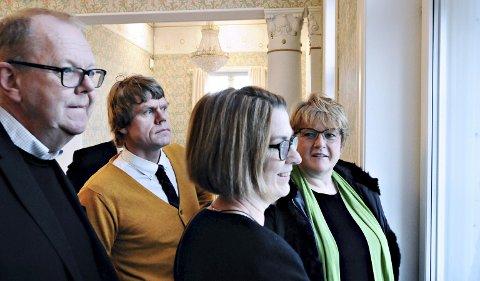 Trine Skei Grande får omvisning i Festiviteten av (fra venstre) stortingsrepresentant Pål Farstad, politisk rådgiver Åsmund Prytz og varaordfører Ragnhild Helset.