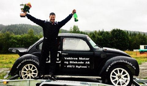 Tilbake på topp: Frode Leirhol fra NMK Valdres vant NM-runden i rallycross inntil 2400 ccm i Melhus i Sør-Trøndelag søndag. Han hadde en dårlig start på denne sesongen, men øyner nå håp om flere gode plasseringer i de to siste NM-rundene sesongen 2017.