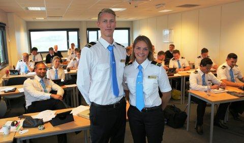 I GANG: Linn Christine Lerberg og Martin Knutsen er to av 60 studenter som er i gang med flygerutdanningen på Torp.