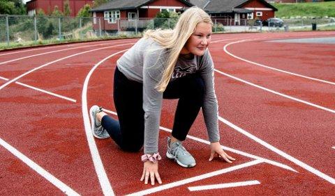 Madelen Kristiansen (17)  var instruktør idrettskolen i Ås i 2017.