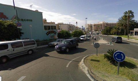 NORDMANN DØDE: En nordmann ble påkjørt i en rundkjøring her ved kjøpesenteret Ancora i Arguineguín. (Google)