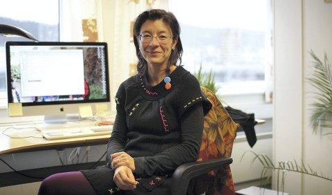 Esperanza Diaz er førsteamanuensis ved Institutt for global helse og samfunnsmedisin og fastlege ved Kalfaret legesenter. Hun har forsker på innvandrere og helsevesenet.