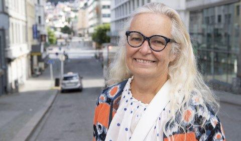 GIR SEG: Ruth Grung (62) er ferdig på Stortinget etter åtte år. – Jeg ble skviset ut, sier hun. men både næringsliv og fagbevegelse skryter av henne. FOTO: ARNE RISTESUND