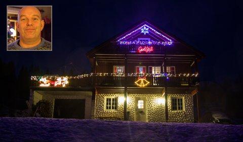 JULEHUS: Kristoffer Åmodt sitt hus er med i julehus-konkurransen til Firda.