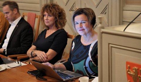 NINA: Konstituert rådmann Nina Tangnæs Grønvold (t. h.) har fått ytterligere selskap i feltet som konkurrerer om rådmanstillingen.