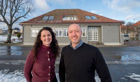 Store planer: Malin Carita og Bjarne Peder Lind er i ferd med å etablere et senter for sosialt entreprenørskap på Toldbodbrygga, som de kjøpte fra Stiftelsen Fyrlykta i fjor. Det skal bidra til utvikling av inkluderende arbeidsplasser.