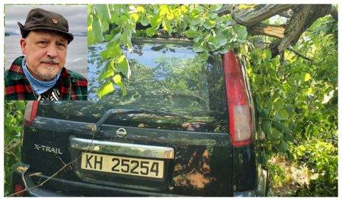 STORE SKADER: Kjetil Hatlebrekkes bil fikk store skader da ei grein falt over den da den sto parkert i båthavna i Røykenvik.