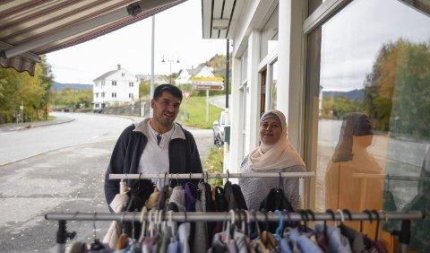 Mahmoud Alsadek og Mariam Sadek er to av dei som skal arbeida i Muligheten gjenbruksstove på Lofthus.